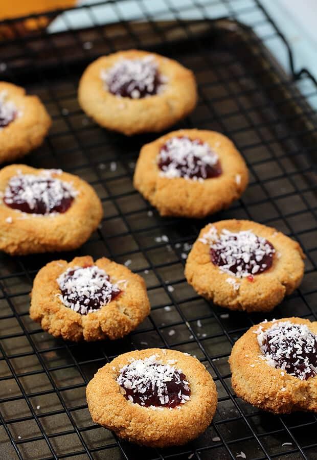 Perfect Christmas Keto Cookie Recipe! Amaretti Keto Cookies!