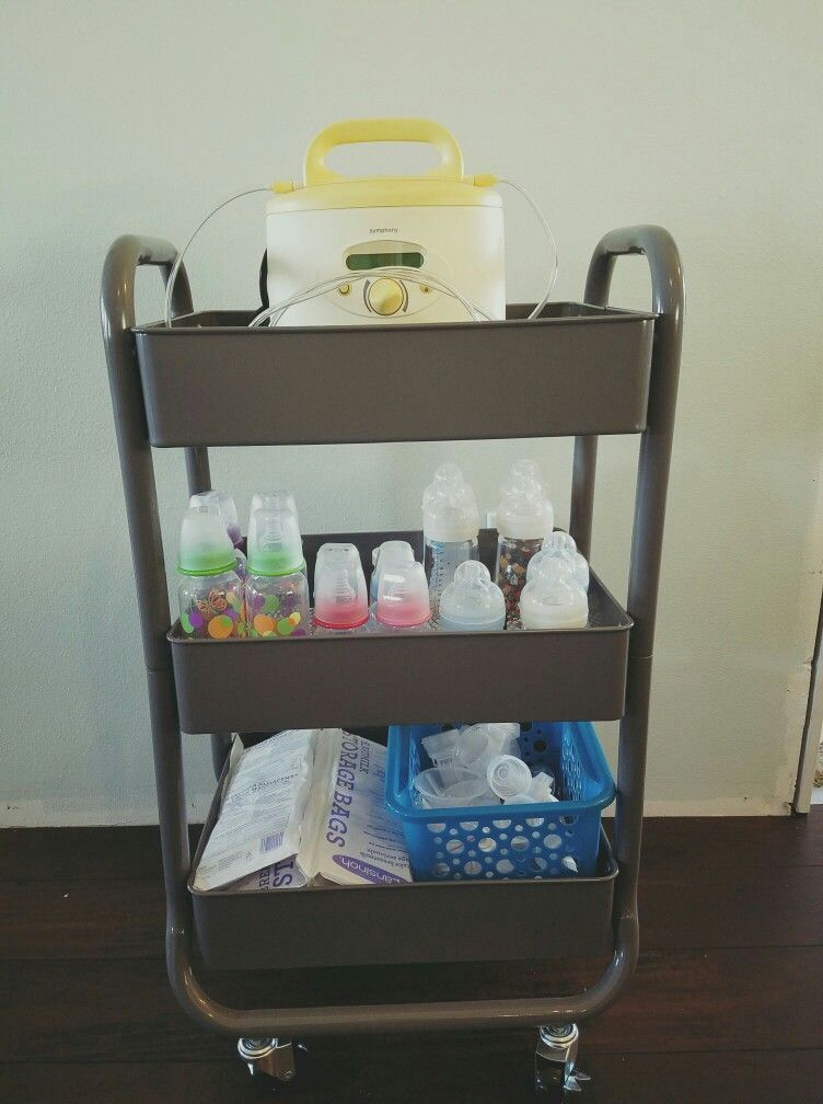 Storing baby bottles and pumping equipment in a rolling cart
